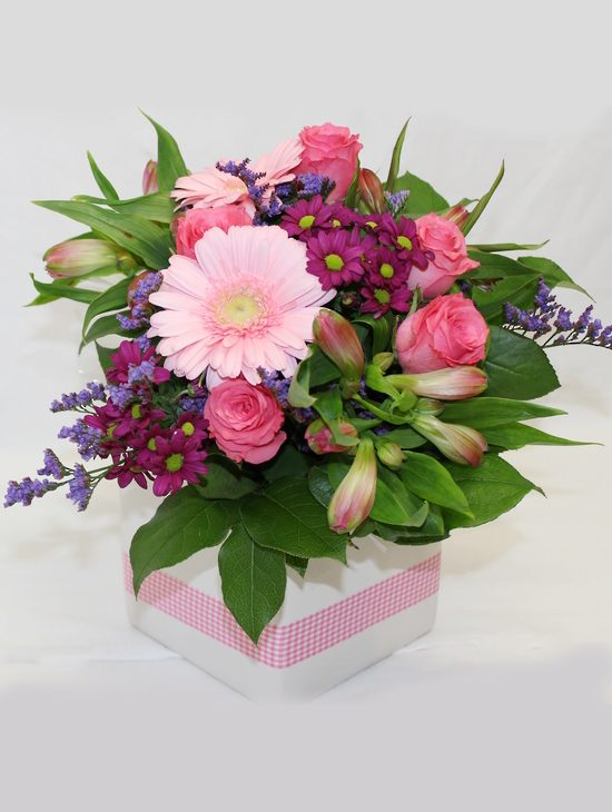 A-Small-Posy-Arranged-in-a-Ceramic-Container-image1