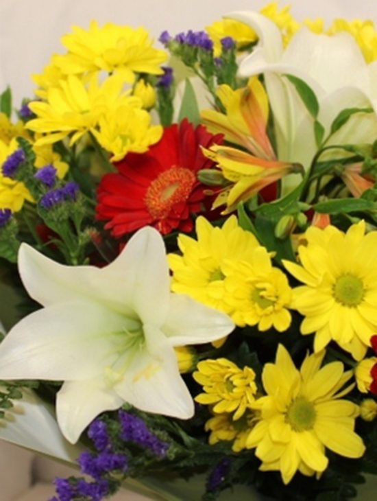 Colourful-Flowers-for-Sympathy