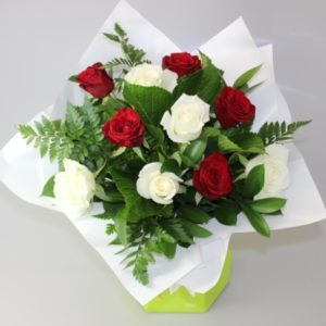 Roses-Red-and-Roses-White-Sheer-Delight-image1