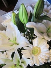 Stunning-White-Bouquet-image1