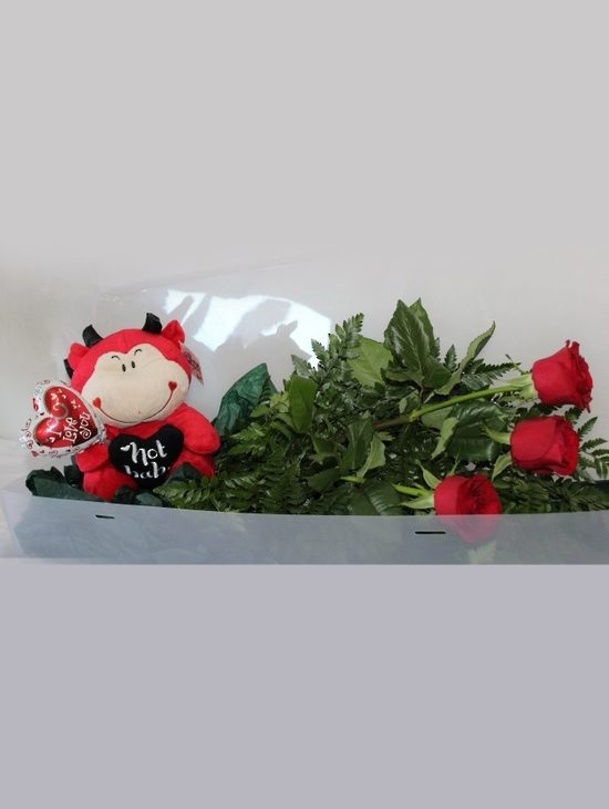 Three-Beautiful-Roses-With-Soft-Toy-image1