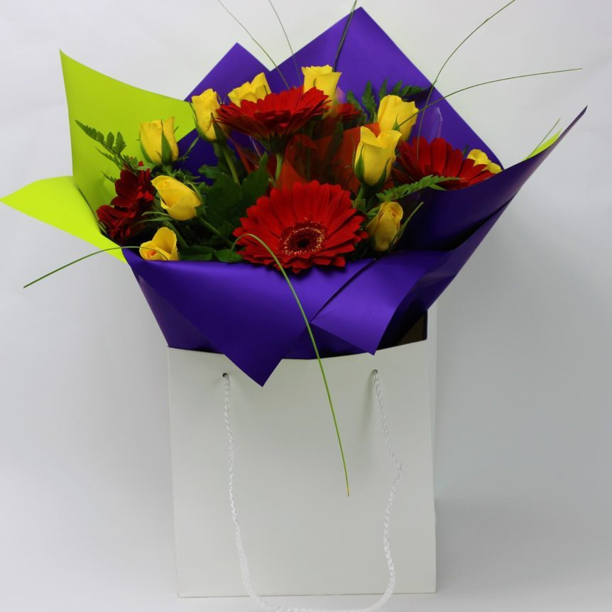 10 Yellow Roses with Gerbera