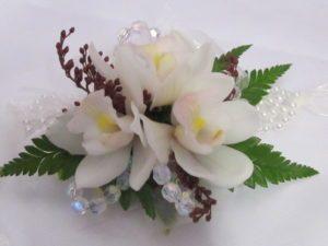 corsage s mini bouquets