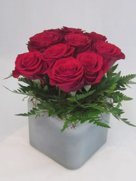 bouquet of red roses delivered