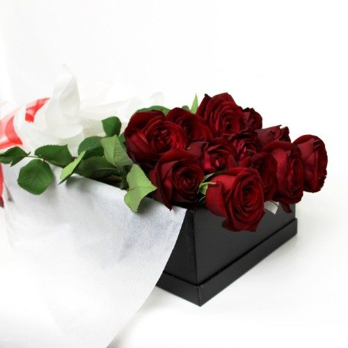 One Dozen Deluxe Long Stemmed Red Roses Same Or Next Day Gift Flower Delivery Auckland