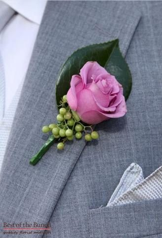 buttonhole-simply-pink-single-flower-boutonniere